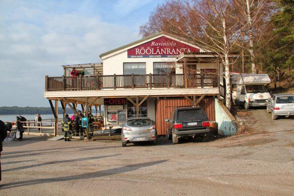 Ravintola (Kuva: Onnenhetkiä paratiisissa)